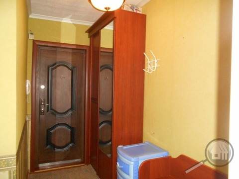 Продается 1-комнатная квартира, пр. Строителей - Фото 2