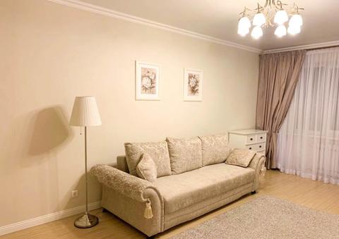 Сдается 1-комнатная квартира 52 кв.м. в новом доме ул. Курчатова 78 - Фото 1