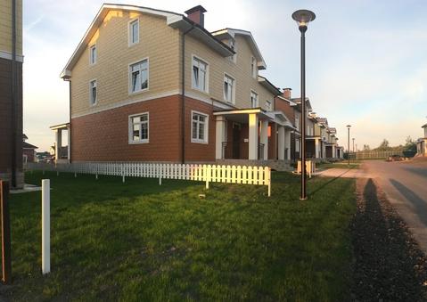 Двухуровневая квартира 93м2 с отдельным входом и участком - Фото 1