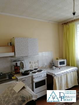 1-комнатная квартира в г. Дзержинский, рядом карьер - Фото 1