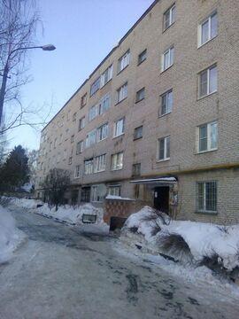 Продаётся двухкомнатная квартира в г. Дедовск - Фото 1