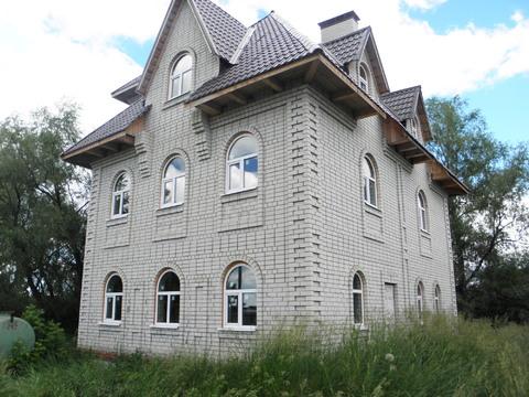 Дом - замок с озером, за Красным Яром, п. Линевый. Самарская область - Фото 2