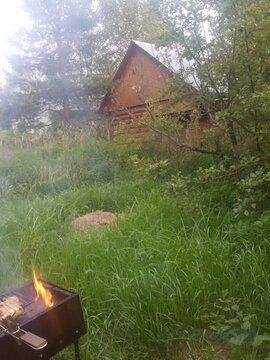 Отличный участок 6 соток с маленьким домиком, эл-во, вода. . - Фото 1