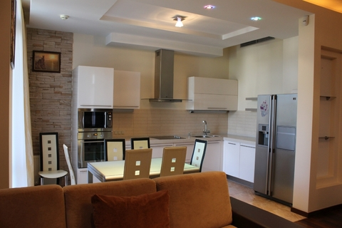 4-комнатная квартира, Алушта, набережная, парк - Фото 1
