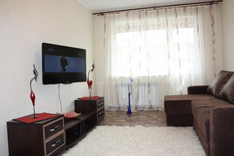 Междуреченск, 2-комнатная квартира посуточно - Фото 1