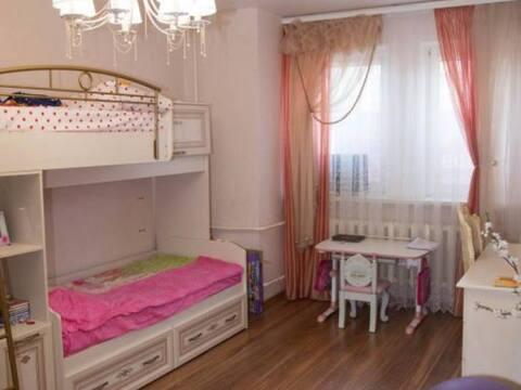 Продажа двухкомнатной квартиры на улице Космонавта Комарова, 37 в ., Купить квартиру в Калуге по недорогой цене, ID объекта - 319812545 - Фото 1