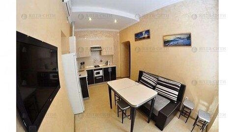 Продается двухкомнатная квартира с двориком в центре - Фото 2