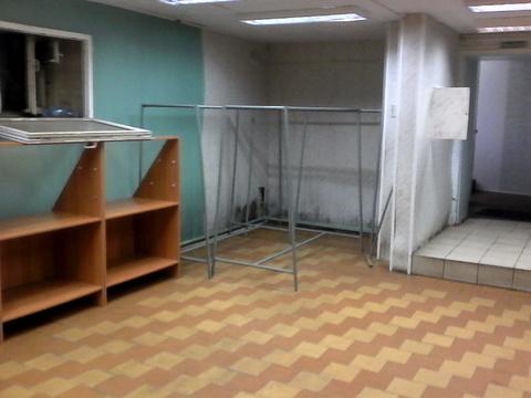 Торговое помещение на цокольном этаже жилого дома. 80 кв.м, 25000 р./м - Фото 2