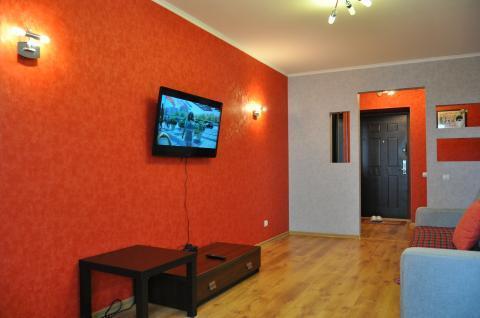 1 500 Руб., Отличная однокомнатная квартира на сутки, Квартиры посуточно в Барнауле, ID объекта - 301924764 - Фото 1