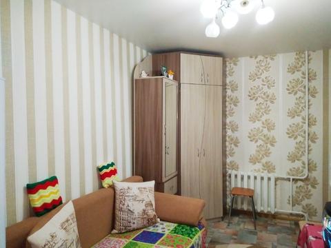 Продам комнату 15кв.м. с балконом г.Ижевск, ул.Автозаводская,62. 7/9к - Фото 1