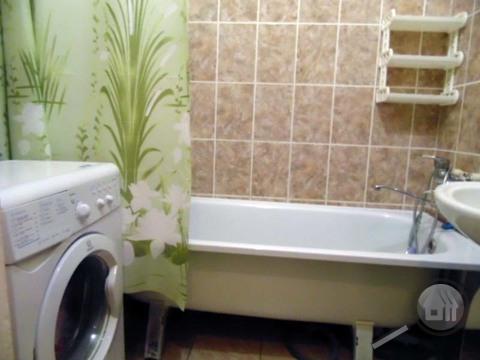 Продается 1-комнатная квартира, ул. Коннозаводская - Фото 2