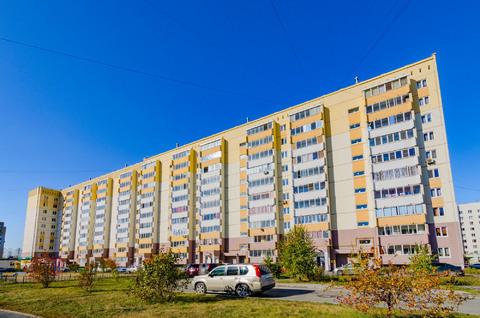 2-комн. квартира с кап.ремонтом, Кольцово, Купить квартиру в Екатеринбурге по недорогой цене, ID объекта - 322463538 - Фото 1