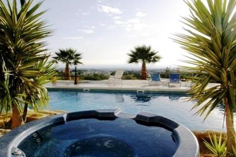 Просторный трехкомнатный апартамент с видом на море в районе Пафоса - Фото 2