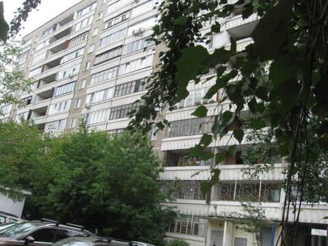 Продажа 2к.кв. г. Екатеринбург, ул. Азина, 23 - Фото 1
