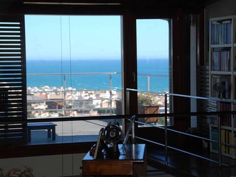 1 350 000 €, Элитная вилла с бассейном и видом на море на побережье под Барселоной, Продажа домов и коттеджей Калелья, Испания, ID объекта - 502498384 - Фото 1