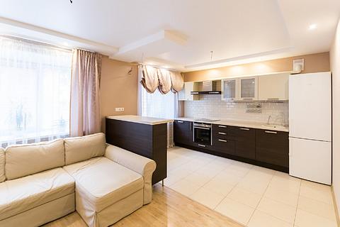 Продам 2-к квартиру 72 м2 Белинского 95 подъезд 1 - Фото 1
