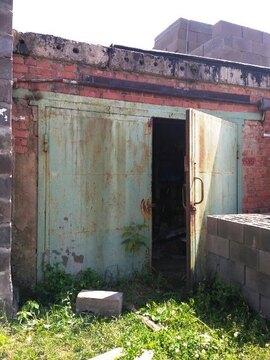 Кирпичный гараж с ж/б перекрытием площадью 22м2, с погребом - Фото 1