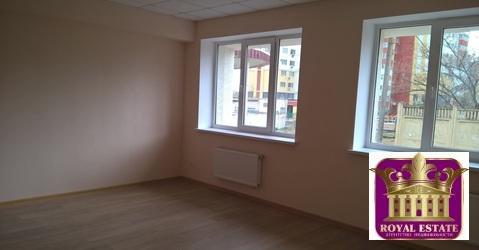 Сдается офисное помещение в офисном центре с закрытой парковкой - Фото 1
