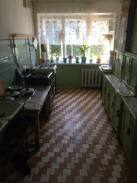 Комната в г.Чебоксары на ул.50 лет Октября 20, Купить комнату в квартире Чебоксар недорого, ID объекта - 700781232 - Фото 1