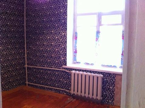 Квартира требует ремонта. С/у раздельный. Комнаты смежные.Окна во двор - Фото 2