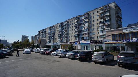 Купить квартиру с ремонтом в развитом районе города Новороссийска. - Фото 1