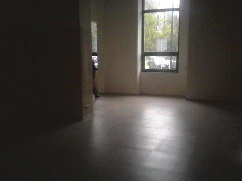 Помещение на первом этаже с отдельным входом, 135 кв. м. - Фото 1