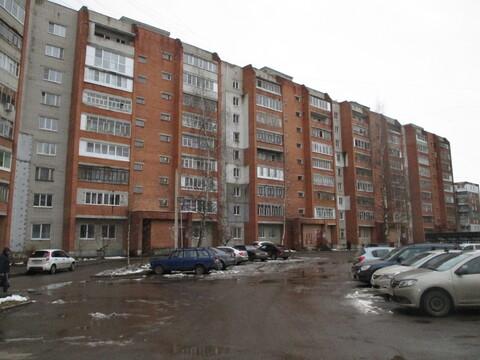 Продается 4-комнатная квартира улучшенной планировки на ул. Труфанова, . - Фото 2