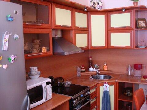 Продам 1-к квартиру в п. Березовый 25 (за Академгородком). - Фото 1