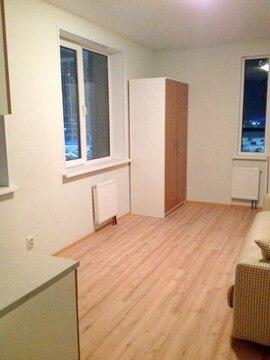 Отличная большая светлая угловая квартира студия с 3 окнами! - Фото 1