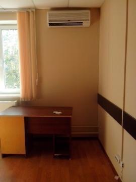 Три офисных помещения с отделкой на втором этаже офисного центра. - Фото 4