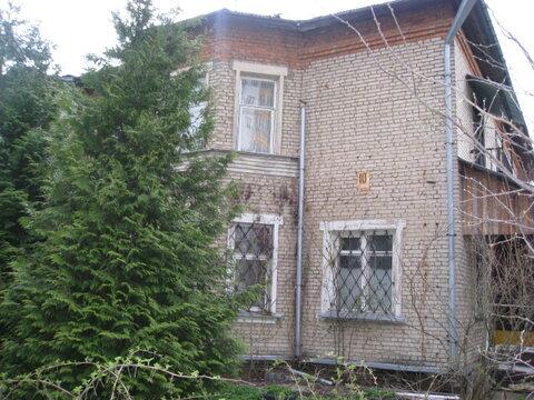 Продам 1/2 дома, п. Правдинский, участок 8 соток - Фото 1