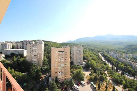 Продается просторная 2-х комнатная квартира в Алушта. - Фото 1