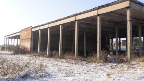 Продаётся земля пром.назначения со строениями. - Фото 1