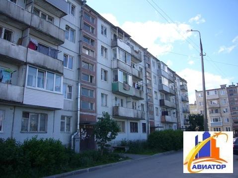 Продается 2 комнатная в Каменногорске - Фото 1