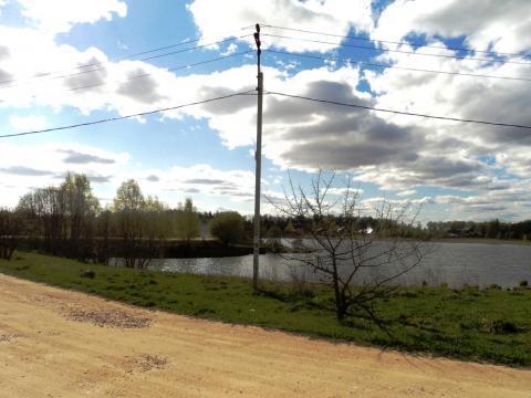 Участок 24 сотки на берегу озера, д. Константиново, 102 км от МКАД. - Фото 1