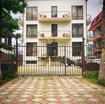 Продам дом в Сочи с ремонтом рядом с морем - Фото 1