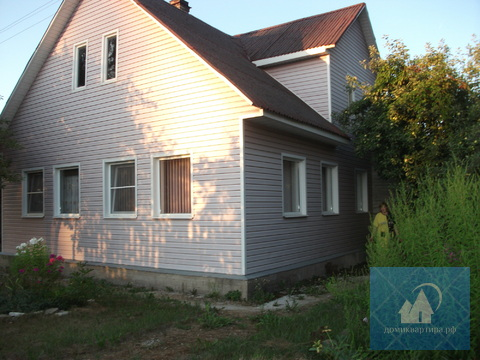 Двухэтажный дом с удобствами в пригороде - Фото 1