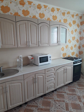 В аренду 2-комн.кв, 74 кв.м, Тюмень - Фото 1