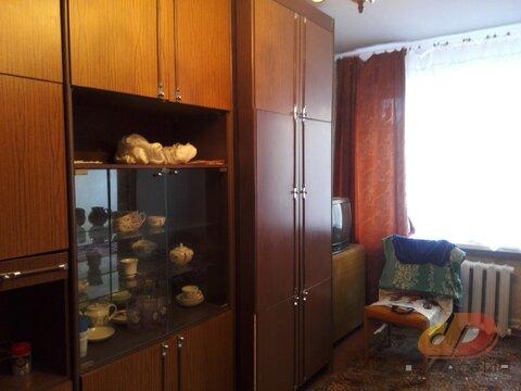 Двухкомнатная квартира, кирпичный дом, остановка школа № 17 - Фото 1