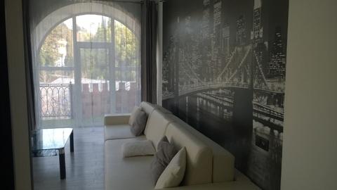 Просторная квартира на Бытхе, с террасой. Отличный вид ! - Фото 1