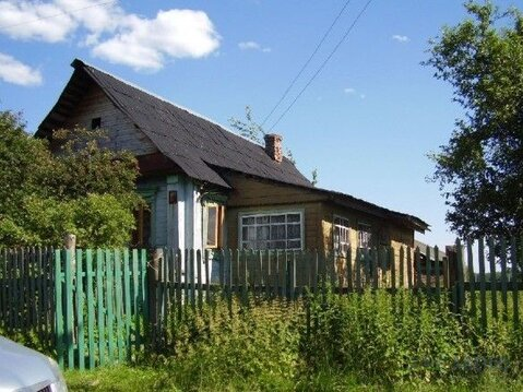 Деревянный дом старой постройки площадью 40 кв.м на участке 25 соток в . - Фото 2