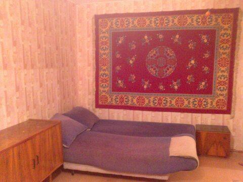 1-комнатная квартира на ул. Комиссарова, 4 - Фото 1