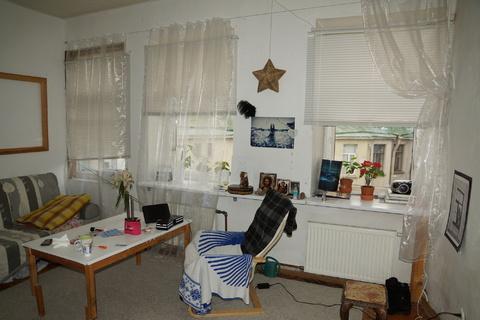 Сдам комнату 21 м.кв. с действующим камином в просторной 3-комн. кварт - Фото 2
