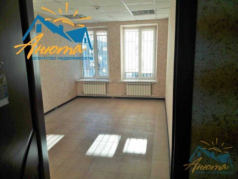 Сдается офис в г. Обнинск на улице Курчатова в здании ТЦ Коробейники. - Фото 1