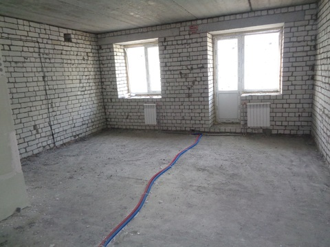 1 комнатная квартира в новом кирпичном доме на улице Орджоникидзе,44а - Фото 1