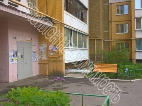 Продажа трехкомнатной квартиры на улице Бойцов 9 Дивизии, 195 в Курске, Купить квартиру в Курске по недорогой цене, ID объекта - 320006395 - Фото 1