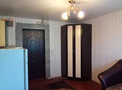 Комната в секции, ул. Петра Сухова, 9а/1 - Фото 1