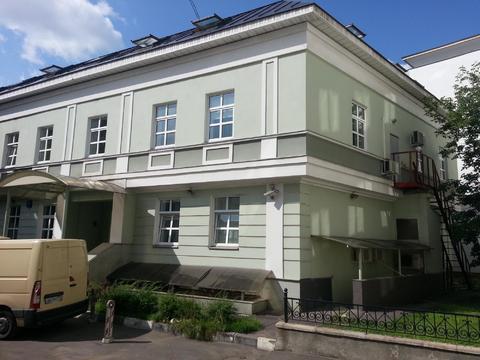 Рядом с Кремлем особняк с мансардой 2001г постройки - Фото 1