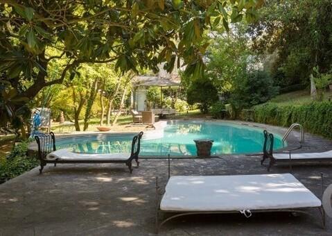 Продается эксклюзивная усадьба в Кастель-Гандольфо, Италия - Фото 2