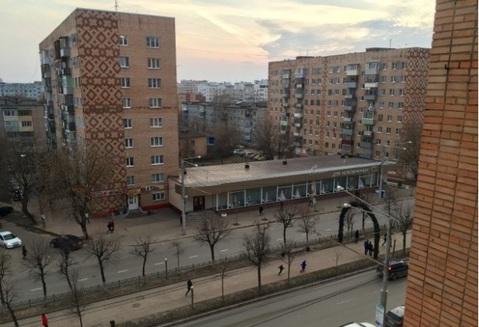 Продается 3-комнатная квартира 65.3 кв.м. на ул. Кирова - Фото 1